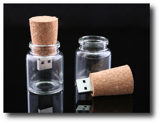 1. Memoria USB en botella vacia
