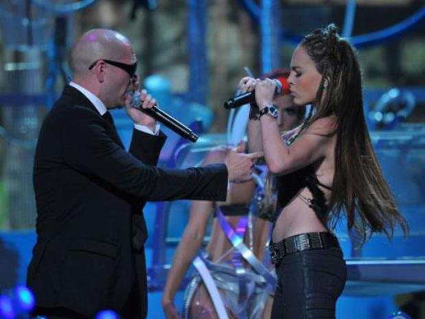 Pitbull con Belinda