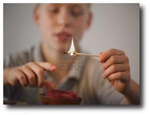 6. Ni+¦os jugando con fuego