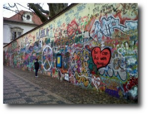 9. El Muro de Lennon