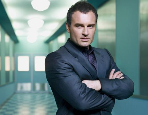 NIP/TUCK: SEASON 6: Julian McMahon stars as Dr.Christian Troy. Photo Credit: FX