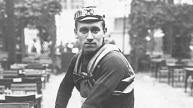 Los 10 mejores corredores del Tour de Francia de todos los tiempos