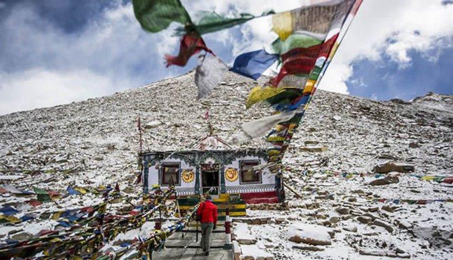 Templo budista en el paso Chang La