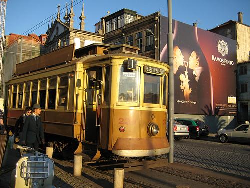 tranvía antiguo en Oporto
