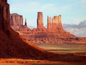3. Valle de los Monumentos