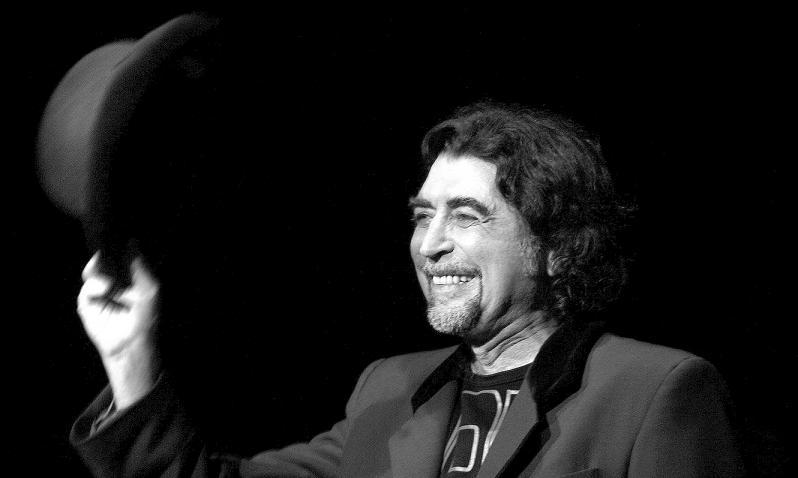 Los 10 mejores cantautores españoles