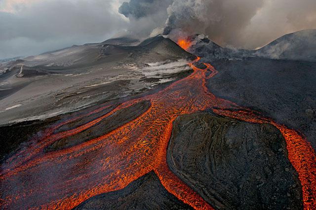 El volcán Plosky Tolbachik en Kamchatka, Rusia